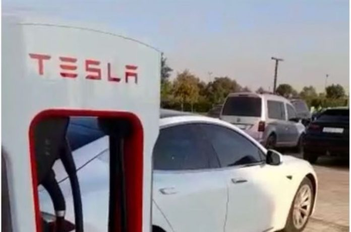 Bornes de recharge Tesla installées à Casablanca